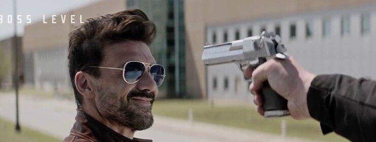 Фрэнк Грилло ломает четвёртую стену и воюет с Мэлом Гибсоном в новеньком трейлере экшена «День курка»